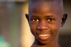 Lachender Bub-Kongo